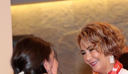 Cristy Lorca con su suegra Isabel Carrillo de Tobías.