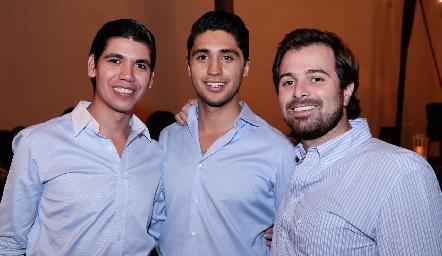 Rafa y Andrés Tobías con Miguel Gaviño.