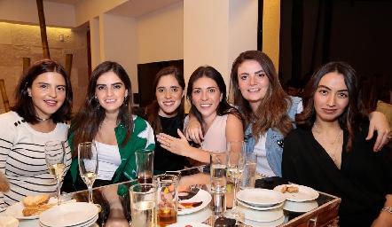 Daniela de los Santos, Adriana Olmos, Sofía Ascanio, Cristy Lorca, María Lorca y Maru Payán.