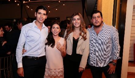 Rafa y Cristy con Ana Gaby Motilla y Toro Gómez.
