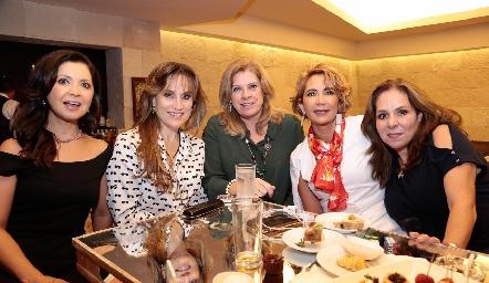 Martha Carrillo, Ana Lilia Von Der Meden, Benilde de Hernández, Isabel Carrillo y Laura Álvarez.