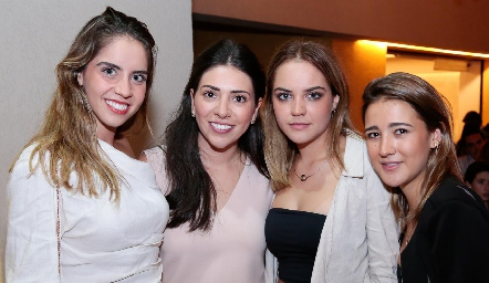 Pía Gómez, Cristy Lorca, Paula Gómez y Laura Pelayo.