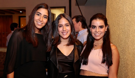 María Paula Tobías, Fernanda Sáenz y Marily Tobías.