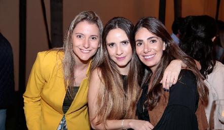 Montse Lapuente, María José Castillo y Andrea Lorca.