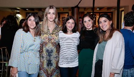Katia Díaz de León, Claudia Mahbub, Daniela de los Santos, Sofía Ascanio y Pilar Villanueva.