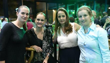 Hanni Abud, Rocío Gómez, Montserrat Fonte y Sofía Torres.