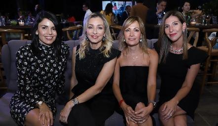 Claudia de la Torre, Verónica Rodríguez, Yolanda Torres y Claudia de López.