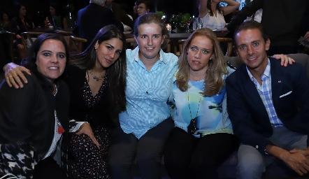 Pilar Torres, Paty Alvarado, Sofía, Mariana y José Alberto Torres.