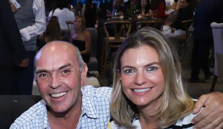 Cali Hinojosa y Francine Coulon.