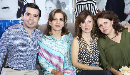 Rodrigo Pérez, Ana Emelia Tobías, Gabriela Sánchez y Alma Goldaracena.