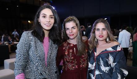 Adri de la Maza, Pilar Palomar y Nuria Alcalde.