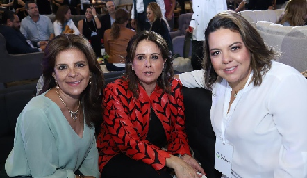 Paty Silos, Maru Martínez y Mariana Alonso.