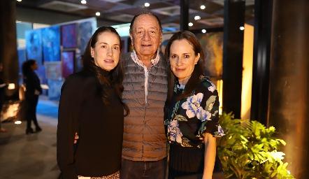 Pituca, Ezequiel y María Escartín.
