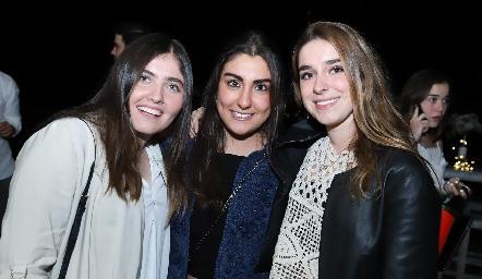 Andrea Salazar, Vera Castillo y Montse Humara.