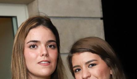 Carlota de la Garza y Regina Martínez.