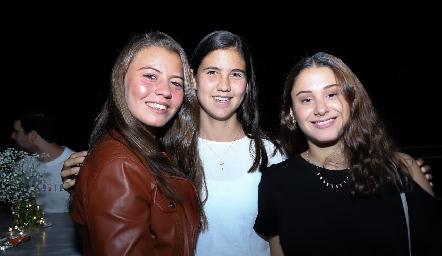 Caro Zermeño, Natalia González y Alexia Revuelta.