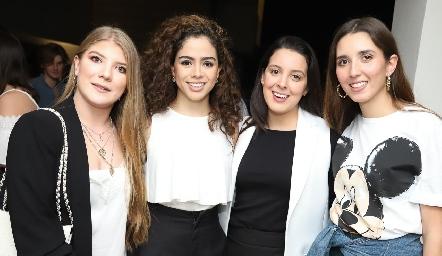 Sofía, Ale, Gisela y Vale.