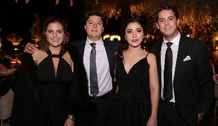 Danitza Lozano, Bolillo Zollino, Isa Zollino y Mauricio Martínez.