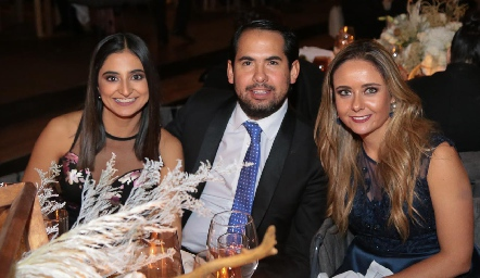 Samira Romo, Rafael Araiza y Ana Gaby Díaz Infante.