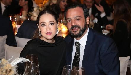 Roberta Martínez y Rodrigo Medellín.