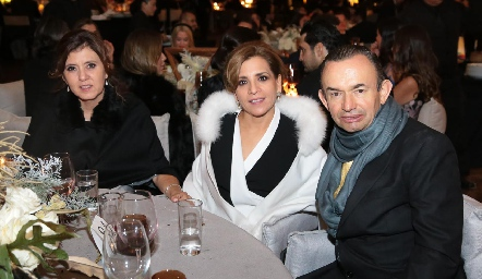 Marcela Milán, Ana Emelia Tobías y Alejandro Pérez.