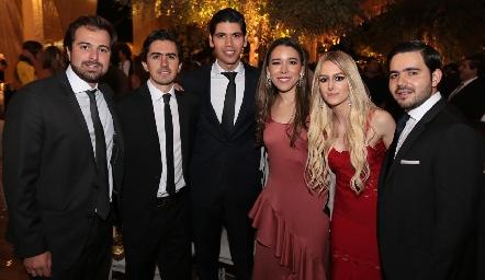 Miguel Gaviño, Memo Gómez, Rafa Tobías, Michelle Cano, Valeria Guerrero y Mauricio Mahbub.