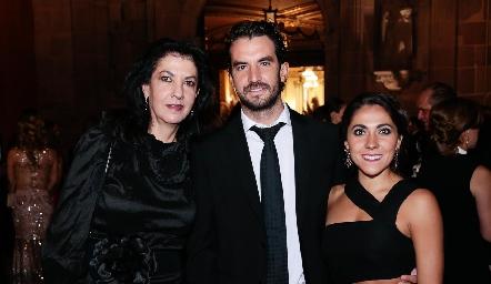 Tere Ramírez de Torres, Ricardo Torres y Sofía Díaz de León.