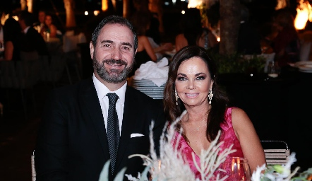 Luis Mahbub y Elsa Tamez.