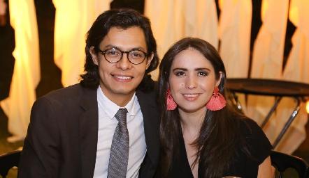 Othoniel Castro y Emma César.
