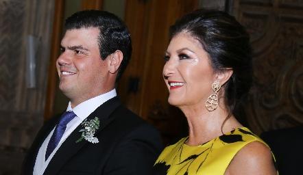 Mauricio Labastida con su mamá Marus Hernández.
