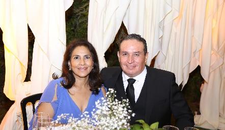 Lupita y Ernesto Chávez.