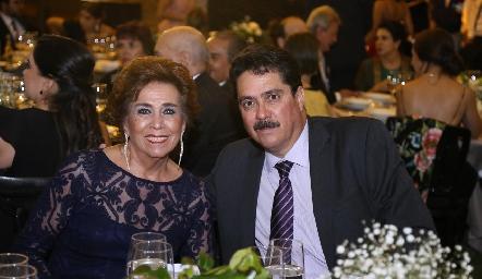 Bertha Navarro y Jesús Velázquez.
