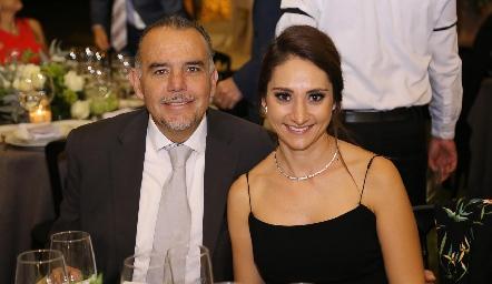 Edgar Hernández y Carla Torres.