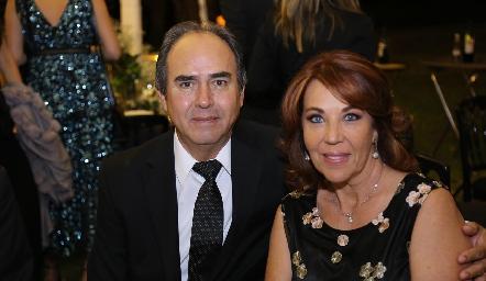 Enrique Estrada y Lourdes Alcalde.