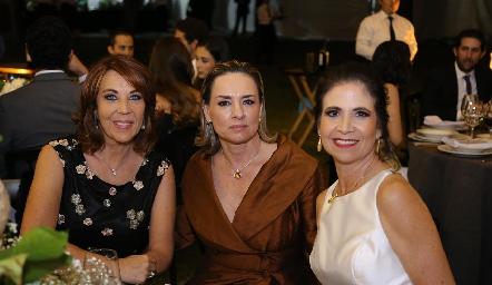 Lourdes Alcalde, Brenda Álvarez y Verónica Balbontín.
