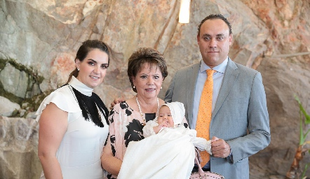 Maripepa Muriel, Pilar Ocejo, Alejandra y Francisco Torres.