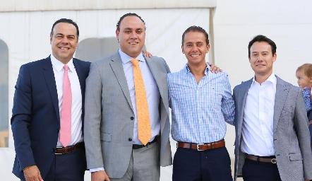 Alejandro Torres, Francisco Torres, Josh Torres y Oscar Foyo.