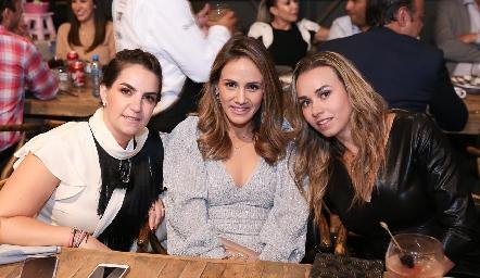 Maripepa Muriel, Ale Salas y Marcela Rubio.