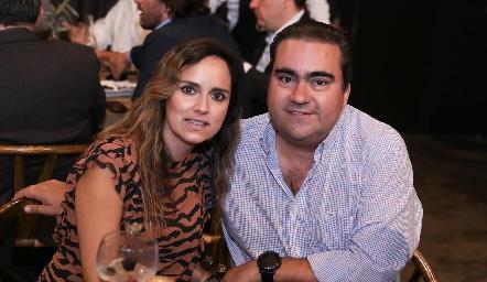 Paty Estrada y Juan José Leos.