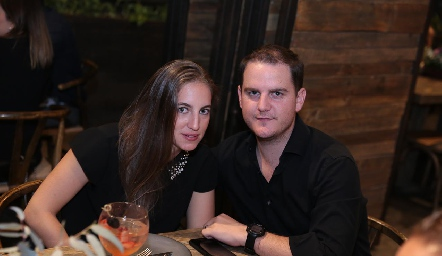 Lucía  Hernández y Miguel Valladares.