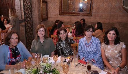Victoria Labastida, María Amelia Vargas, Luchi Castelo, Martha Zwiegger y Marus Hernández.