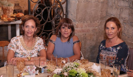 Caridad Rangel, Gaby Enríquez y Claudia Díaz Infante.