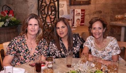 Carmen Zweigger, Mago Martínez y Caridad Rangel.