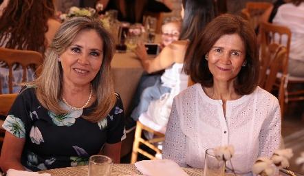 Elizabeth Báez y Ana Cecilia de Báez.