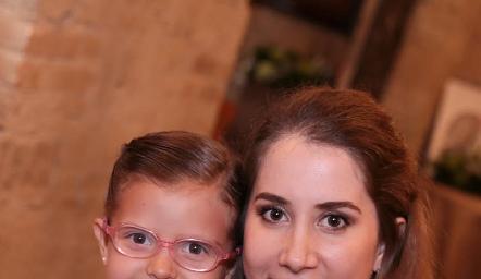 Gaby y Mónica Torres.