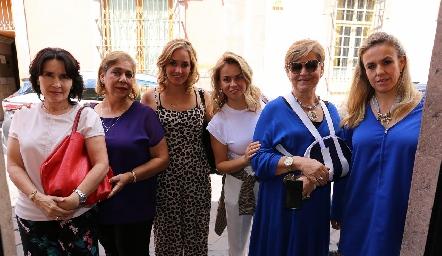 Lula,Isabel, María, Monse, Mónica y Mónica Torres.