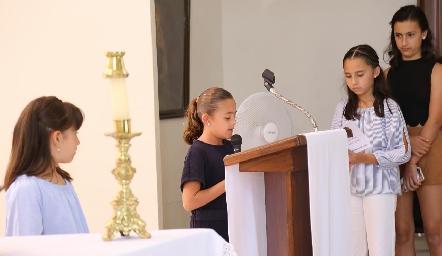 Primera Comunión de Paulina Acebo.