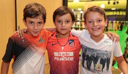 Santiago, Patricio y  Santiago .