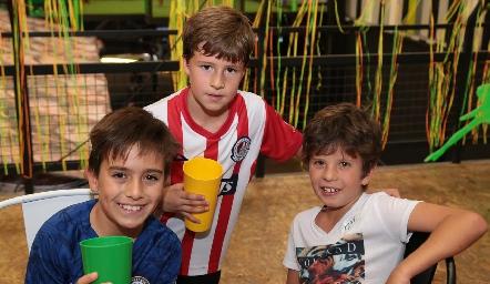 Mauricio, Luis Ma y Mateo.