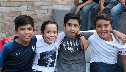 Emmanuel, José, Rodrigo y Salvador.